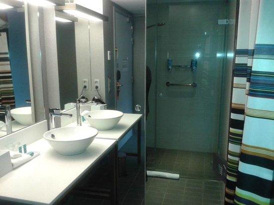 Aloft Brussels Schuman Hotel:                   Salle de bain