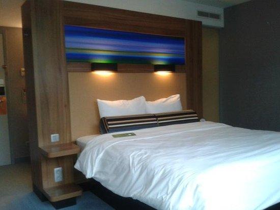 Aloft Brussels Schuman Hotel:                   Chambre lit