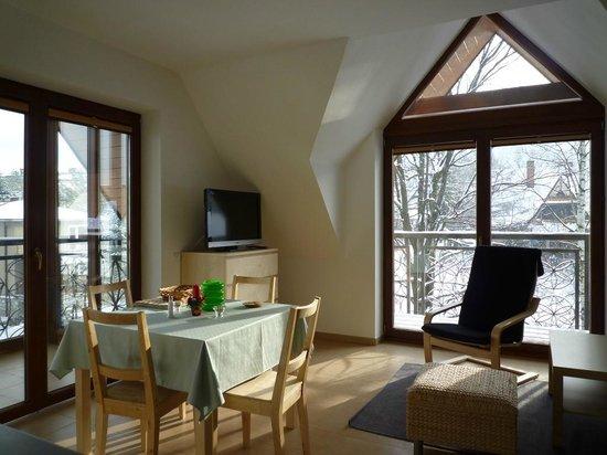Mozaika Apartments: Apt Szafir salon