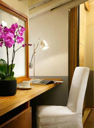 โรงแรมมาริโอ เดฟิโอริ37: Rooftop suite