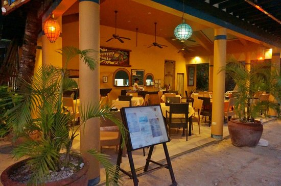 Microtel by Wyndham Boracay :                                     Mama's Fish House restaurant