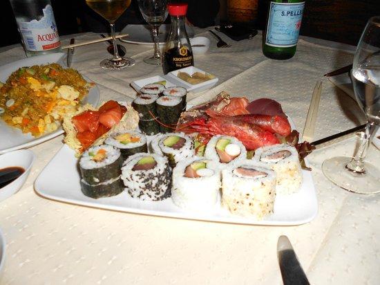 Capitolo Due: Piatto misto Sushi Sashimi
