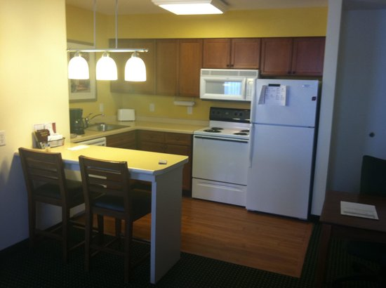 Residence Inn Des Moines West at Jordan Creek Town Center:                                     Kitchen