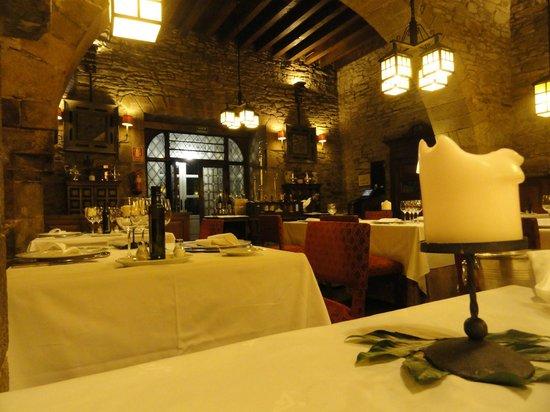 Parador Hostal Dos Reis Catolicos: Restaurant