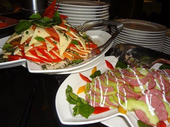 فندق وسبا ستيلا دي ماري بيتش:                   Yummi Salads at the Buffet Restaurant                 