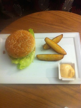 Bromsgrove Hotel & Spa:                   Bean burger and wedges, yes, three is all you get