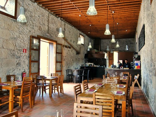 Hotel Rural El Mondalon: Bodegón