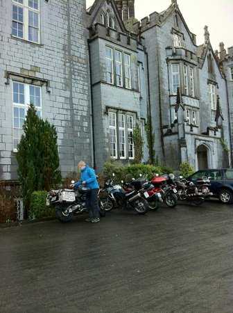 Kinnitty Castle Hotel:                                                                         Kinnity Castle