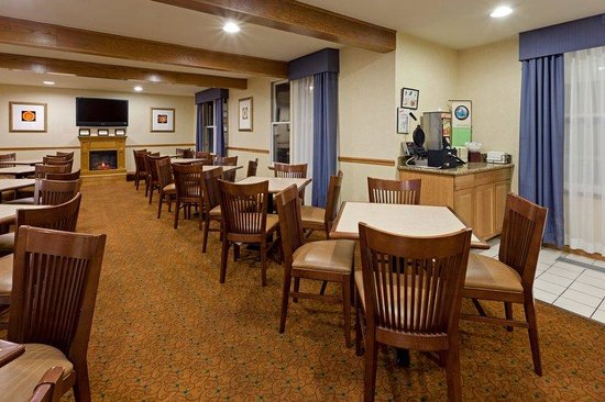 Country Inn & Suites by Radisson, Millville, NJ: CountryInn&Suites Millville  BreakfastRoom