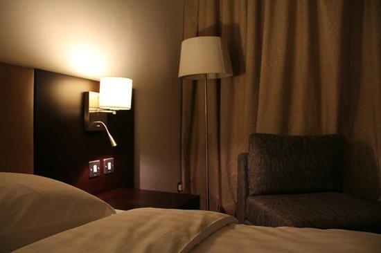 Safir Doha Hotel: Room