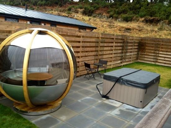 Kessock Highland Lodges:                                     Cosy seating area & hot tub!