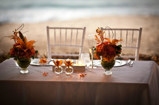 Villa Montana Beach Resort:                                     Bride & Groom Table