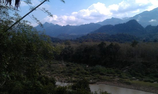 เซ็น น้ำคาน บูติค รีสอร์ท:                   view of the mountains