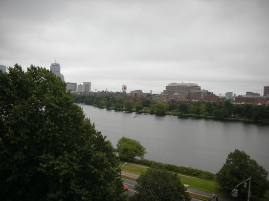 Hyatt Regency Cambridge, Overlooking Boston:                   jour gris sur la ville