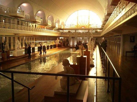 Musée La Piscine :                   galerie de la piscine