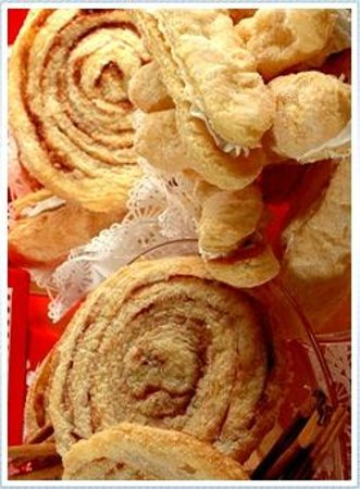 The Solvang Bakery: Cinnamon Crispies and Danish Waffles
