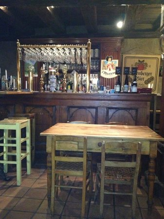 Le Gambrinus :                   breakfast cellar