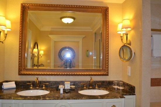 The Venetian Macao Resort Hotel :                   salle de bains