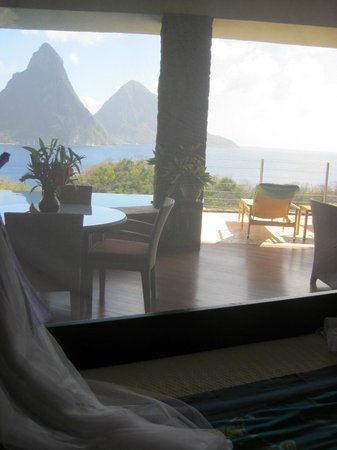 Jade Mountain Resort:                   view from the bed