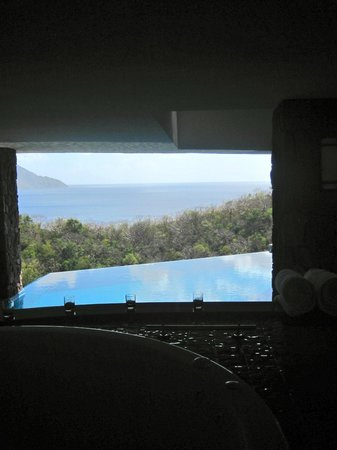 Jade Mountain Resort:                   view from the tub