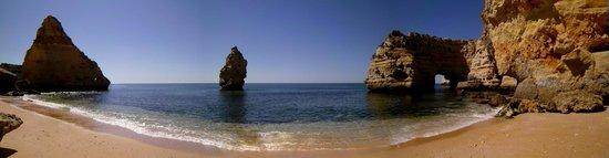 Praia da Marinha:                   Kleine Bucht hinter dem ersten Strandabteil