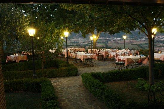 Villa Dama: Cena all'aperto