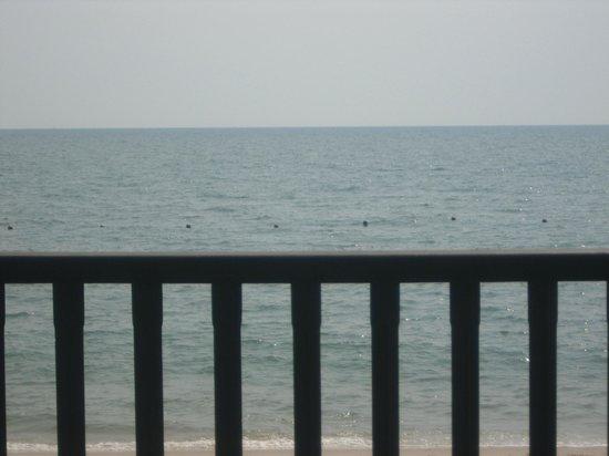 Regent Chalet Regent Beach Cha-Am: vu de la terrasse du resto 2