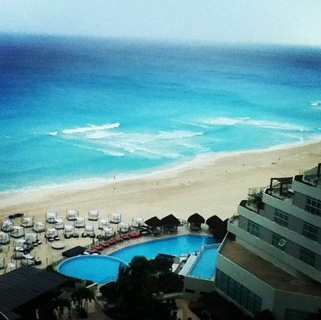 ME Cancun:                   hab de lujo frente al mar