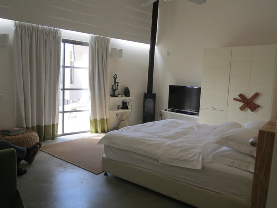 InnSense Bistro and Suites: upgraded room !
