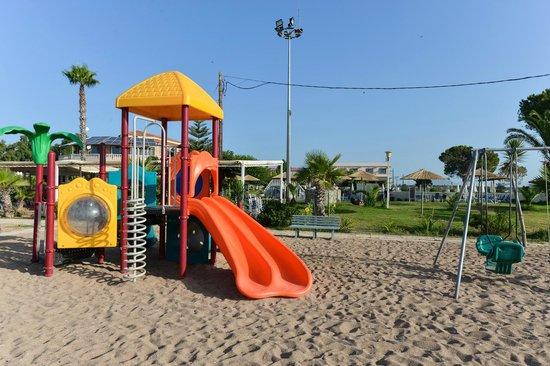GMP Bouka Resort Hotel: Beach