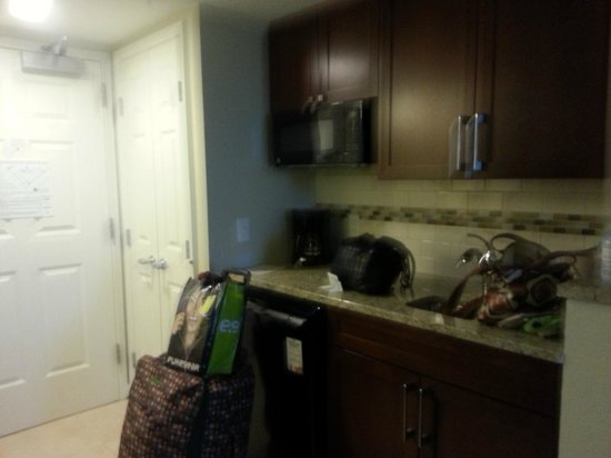Hilton Grand Vacations on Paradise (Convention Center): kitchen area - fridge and microwave included!