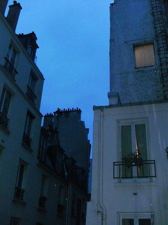 Centre Ville Etoile:                   部屋の窓からの眺め