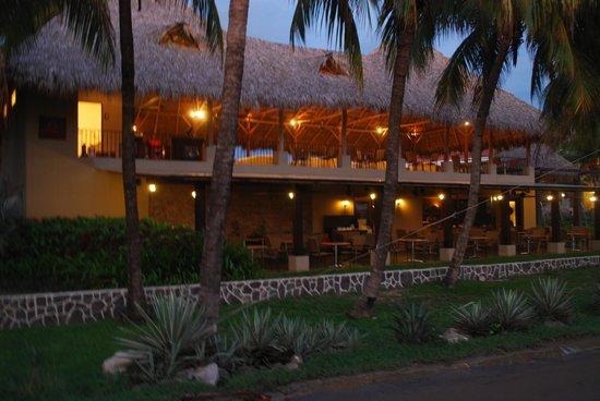 Flamingo Beach Resort And Spa:                   Restaurant