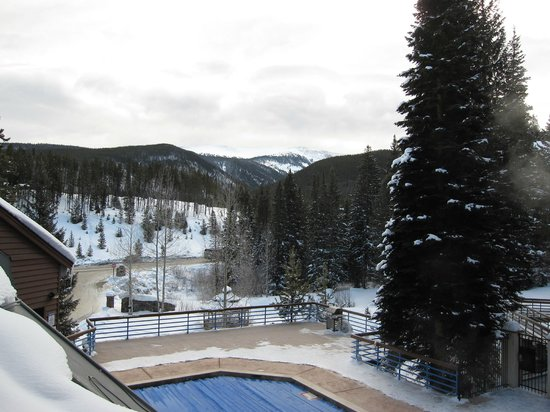 Iron Horse Resort:                   Pool and mountain view