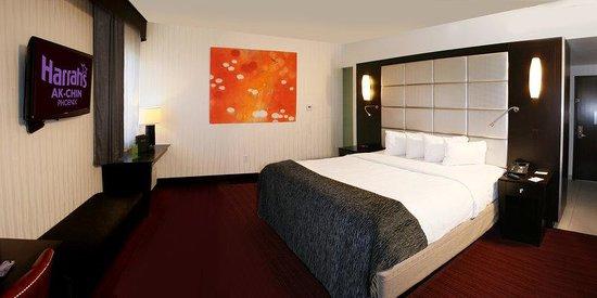 منتجع هرز أكتشن كازينو: Hotel Room Pano TVLogo