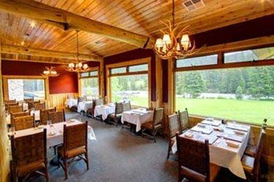 Rainbow Ranch Lodge: The Restaurant
