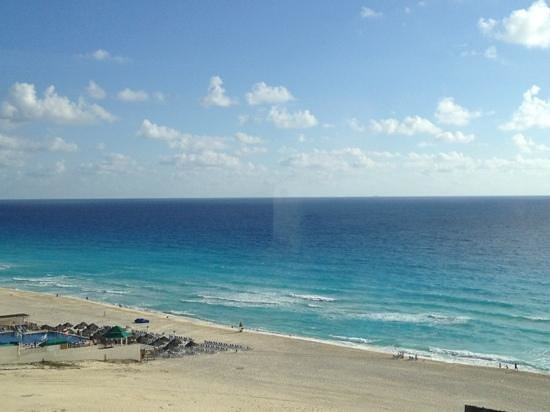 Iberostar Cancun:                   Beautiful beach :-)