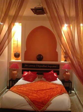 Riad La Porte Rouge:                   Bed