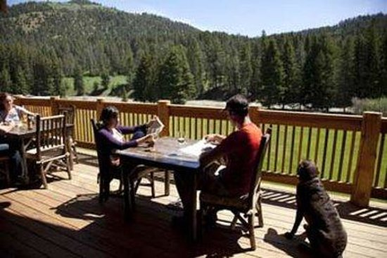 Rainbow Ranch Lodge: The -RR Deck