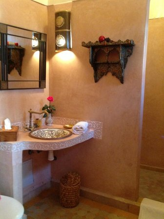 Riad La Porte Rouge:                   Wahroom