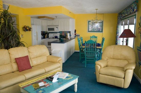 Beach Quarters Resort Updated 2018 Prices Condominium Reviews Daytona Beach Shores Fl