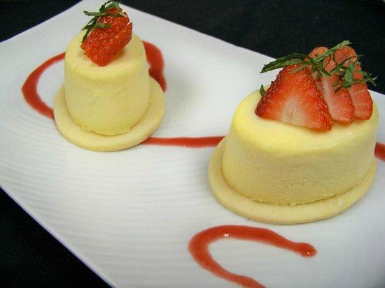 Heartwood Conference Center & Retreat: Vanilla Bean Cheesecake