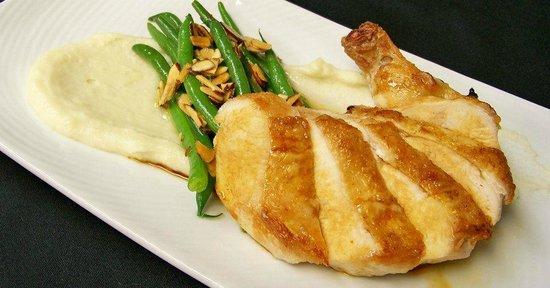 Heartwood Conference Center & Retreat: Heriloom Chicken Breast