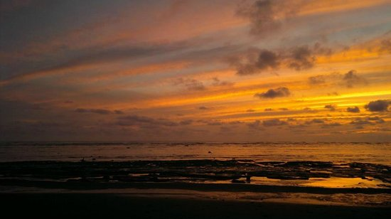 Drake Bay, Costa Rica: Spectacular sunset from the beach at Sirena Biological Station