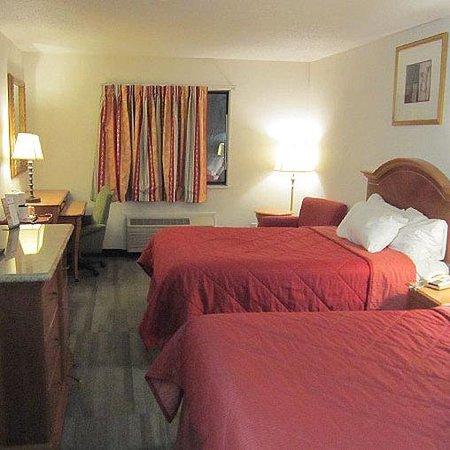 American Inn & Suites Ionia: American Inn Suites Ionia Room