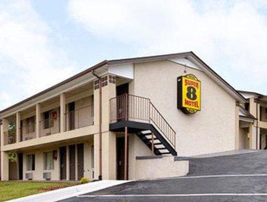 Motel 6 Jonesville: Welcome to Super 8 Jonesville