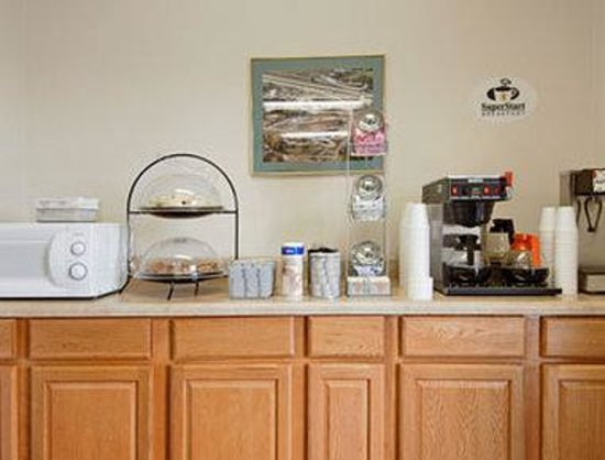 Motel 6 Jonesville: Breakfast Area