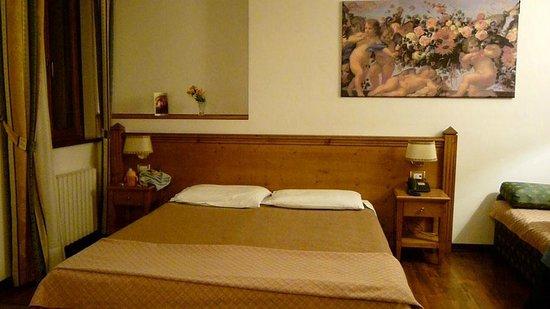 Hotel Restaurant Pizzeria Scarpone:                   Interno suite