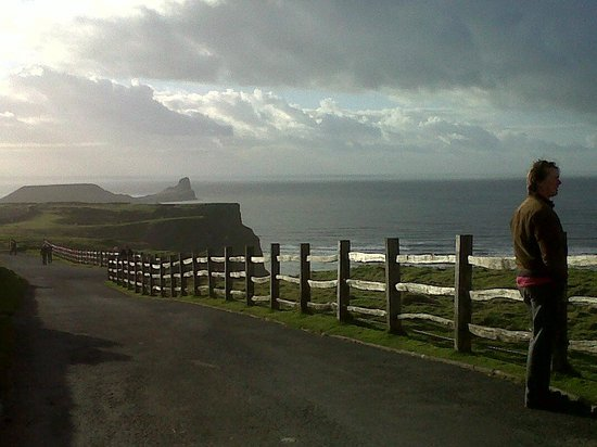 Rhossili Bay:                   View towards Worm's Head.