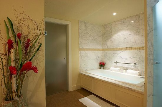 The Ivy at Verity: Bathroom - Room 4